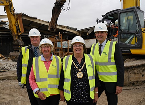 Epping Forest Shopping Park underway